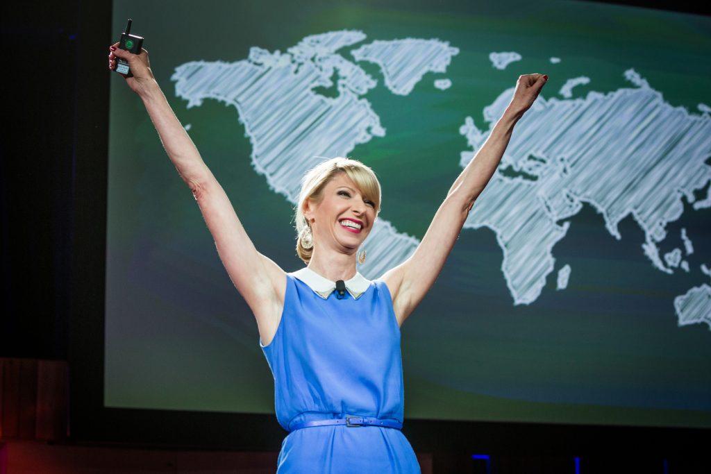 Amy Cuddy Fazendo power pode no TED2014